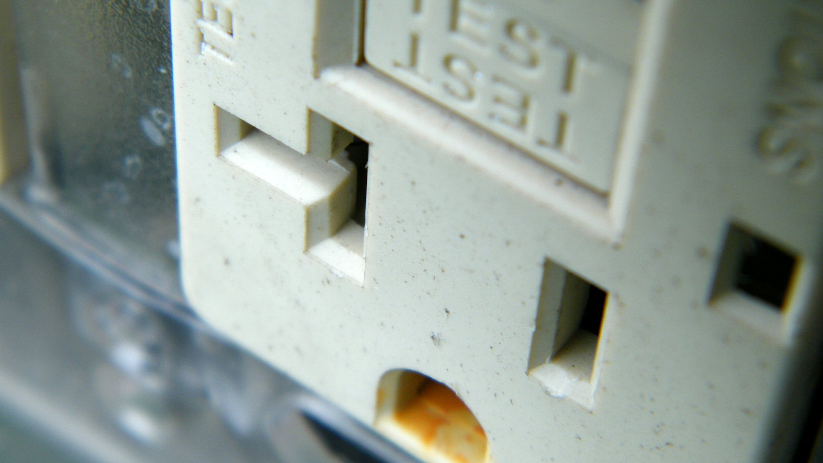 Macro Wall Outlet